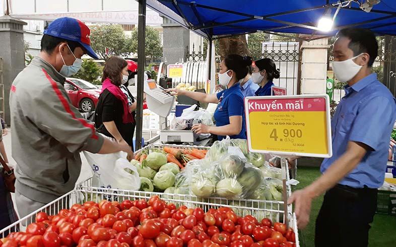Hỗ trợ tiêu thụ rau quả mùa dịch